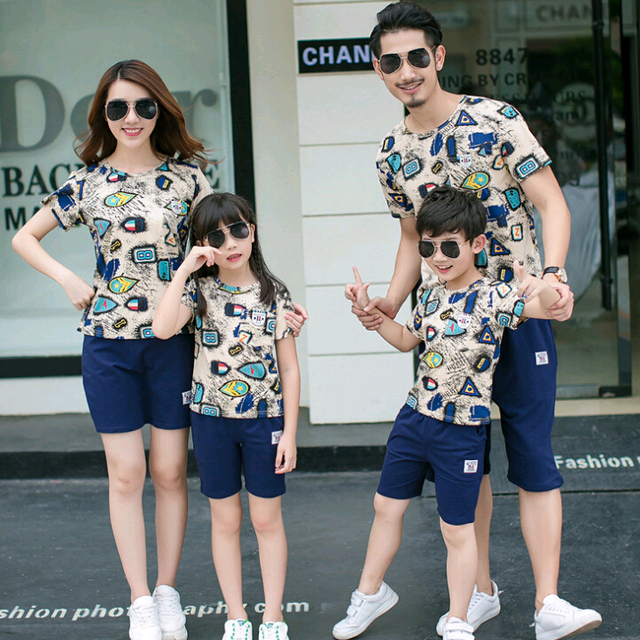 6153e760d67c6 Casual Family Matching Outfit Cotton T shirts+Shorts 2 pieces Mother  Daughter Father Son Clothing Sets Family Style Set 3XL CY61
