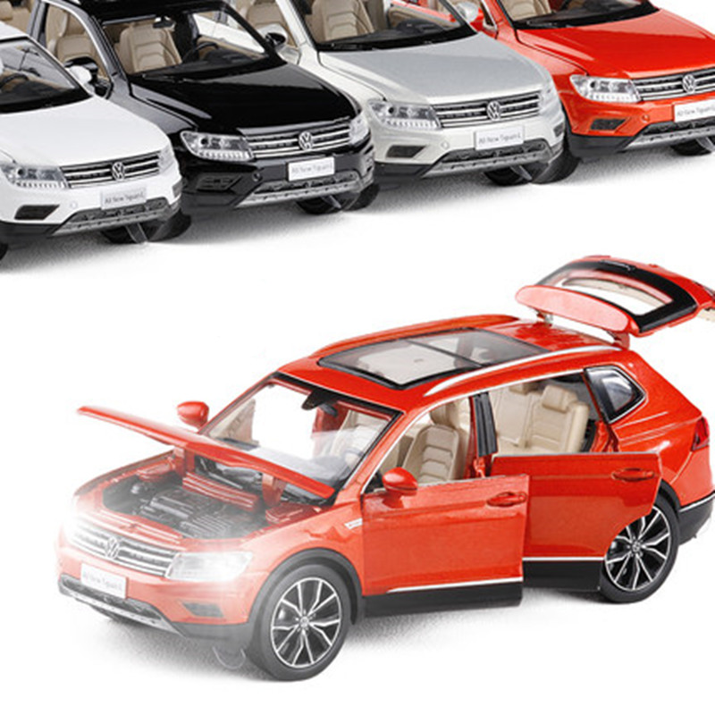 High Simulation  Tiguan L,1:32 Scale Alloy Pull Back Model Car,muaical&flashing,diecast Metal Model,free Shpping