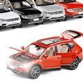 Модель Tiguan L с высокой степенью имитации, масштаб 1:32, модель автомобиля из сплава с откидной задней крышкой, многоразовая и мигающая, модель ...