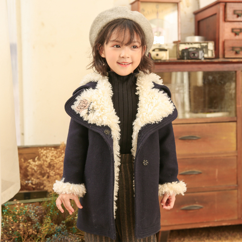 2018 winter new children's clothing jacket girls coat double-breasted lamb fur collar fashion coat