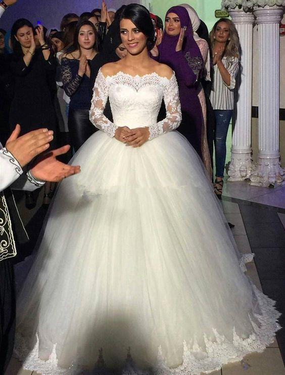 Elegant Ball Gown Wedding Dresses 2019 Off The Shoulder Long Sleeves Lace Tulle Floor Length Wedding Gowns Vintage Bridal Dresse