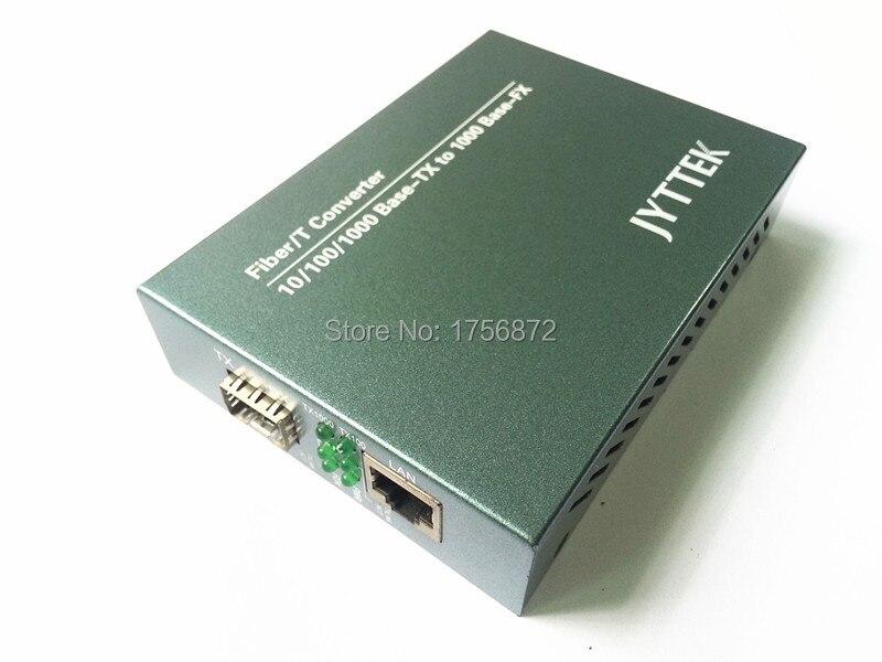 10/100 / 1000M SFP Fibre Media Converter Externe PSU 1 Fibre en 1 UTP-poorten Fibre Media Converter