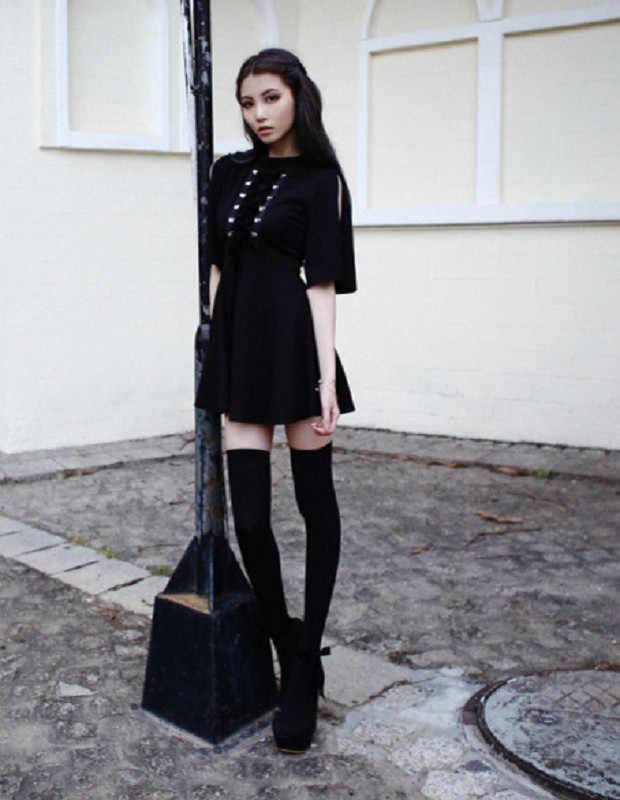 Ruban décoré gothique femmes robe noire japonais Harajuku Punk bretelles croisées cravate Slim une ligne robe