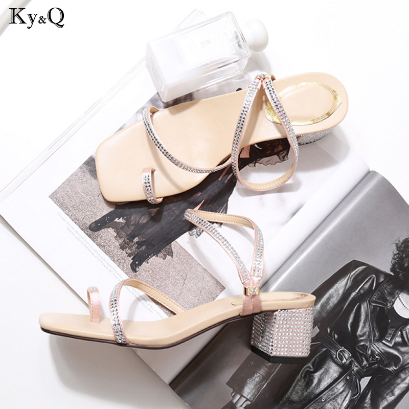 Summer New 2019 Ladies Fashion Roman Style Trend Toe Rhinestones Square Head Shallow Mouth Wild Casual Mid-heel Sandals 3-5cmSummer New 2019 Ladies Fashion Roman Style Trend Toe Rhinestones Square Head Shallow Mouth Wild Casual Mid-heel Sandals 3-5cm