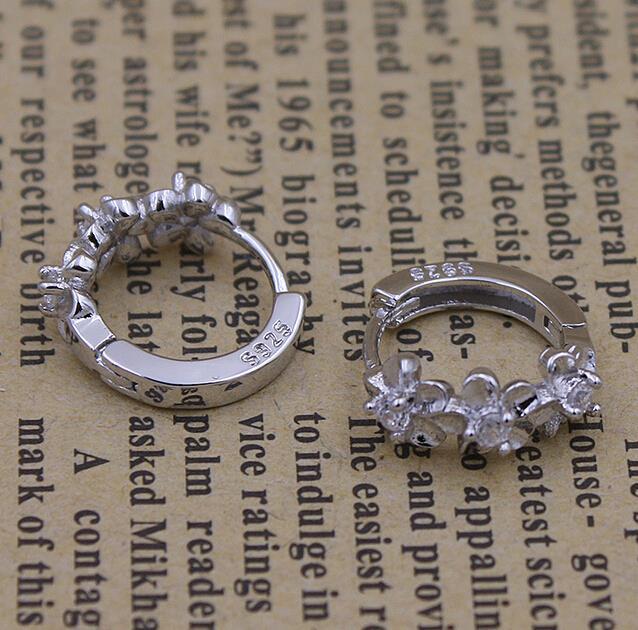 OMHXZJ wholesale International quality certification Fashion jewelry flowers AAA zircon 925 sterling silver Stud earrings YS05