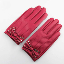 Top Quality Fall Women Genuine Leather Gloves New Fashion Brand Pink Warm Driving Glove sheepskin Mittens Rosette Free Shipping