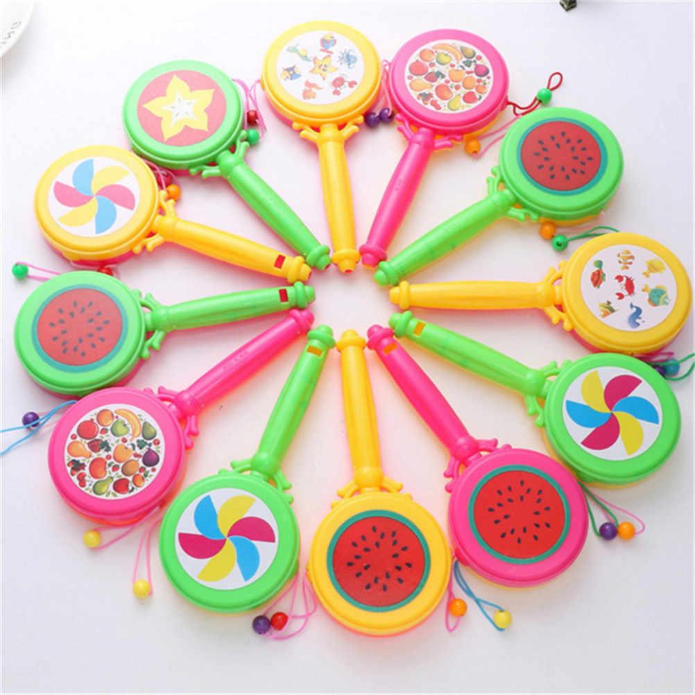 Sonajero de madera Pellet tambor de dibujos animados instrumento musical de juguete para niños regalo juguetes de peluche para bebés sonajero de Color aleatorio