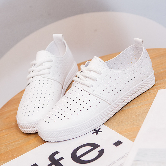 Women White Shoes Sneakers Summer 2019 Spring Breathable Holes Solid Color Female Black Shoes Leather Chaussure Femme Flat Heel