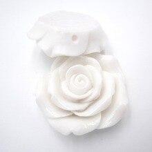 baca137fdc18 42mm 10 unids lote Color blanco acrílico grande resina flor Rosa cuentas  para las niñas