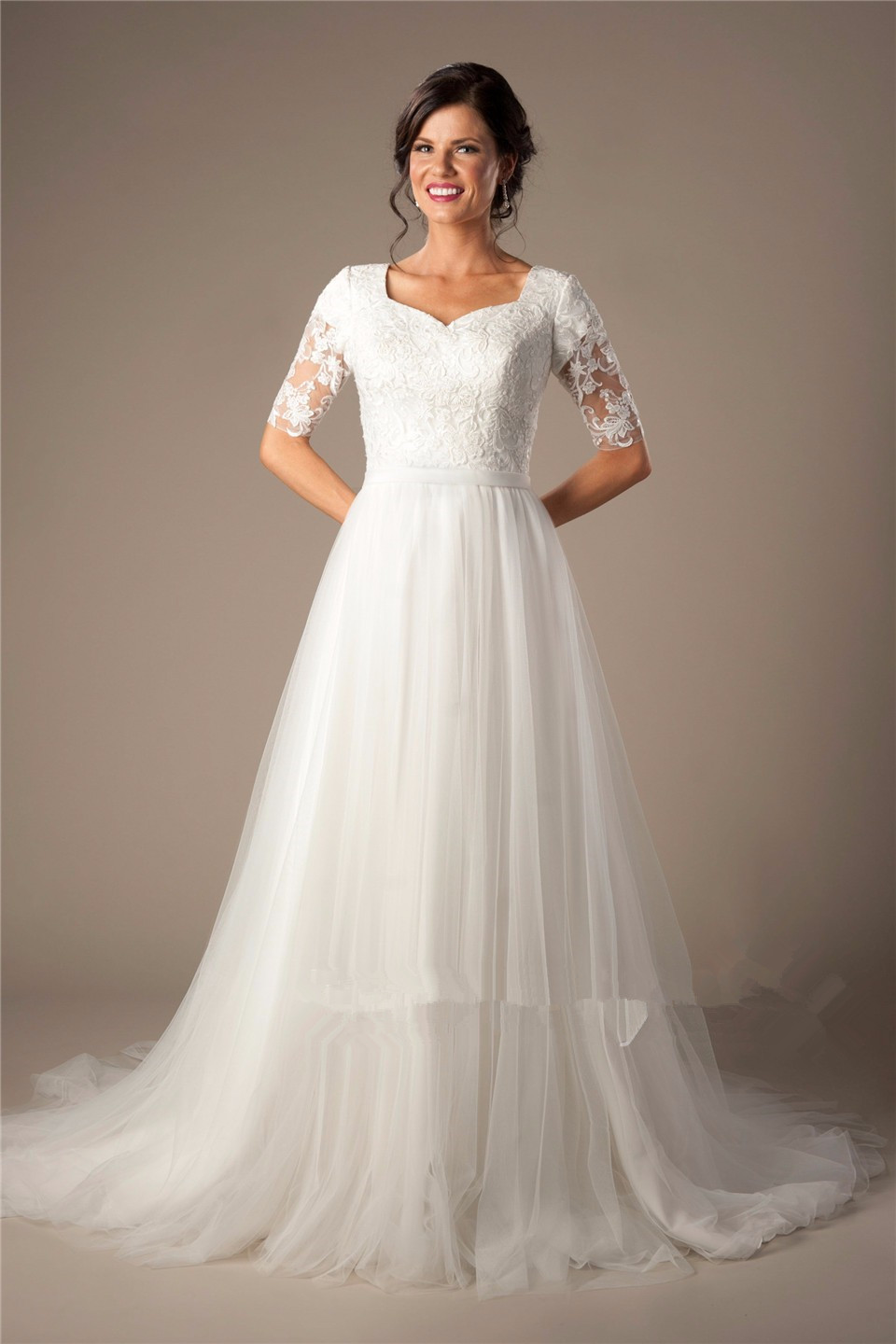 Buy vestido de noiva lace tulle long modest wedding for Tulle wedding dress with sleeves