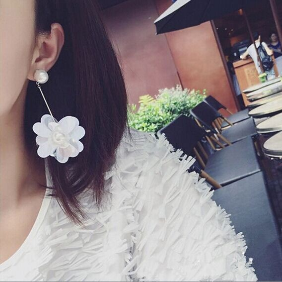 2016 Korean Newly Acrylic Three-dimensional Flower Shaped Beach Simulated Pearl Jewelry Earrings Long Drop Personality Brincos
