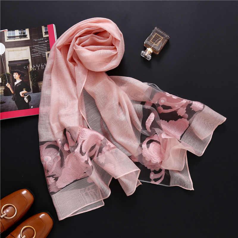 Novo 2019 primavera e no verão as mulheres cachecol moda Bordado oco senhora xales e estolas wraps longo tamanho bandana pashmina feminino