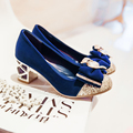 2017 Nuevas señoras zapatos de tacones mujeres zapatos rosados de la boda nupcial de la mariposa azul zapatos de mujer rhinestone zapatos de tacón grueso para las mujeres