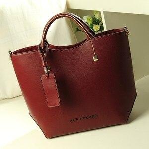 Image 2 - Sacoche à épaule en cuir pour femmes, sac à main Fashion de marque de styliste de bonne qualité, nouvelle collection FC40 25