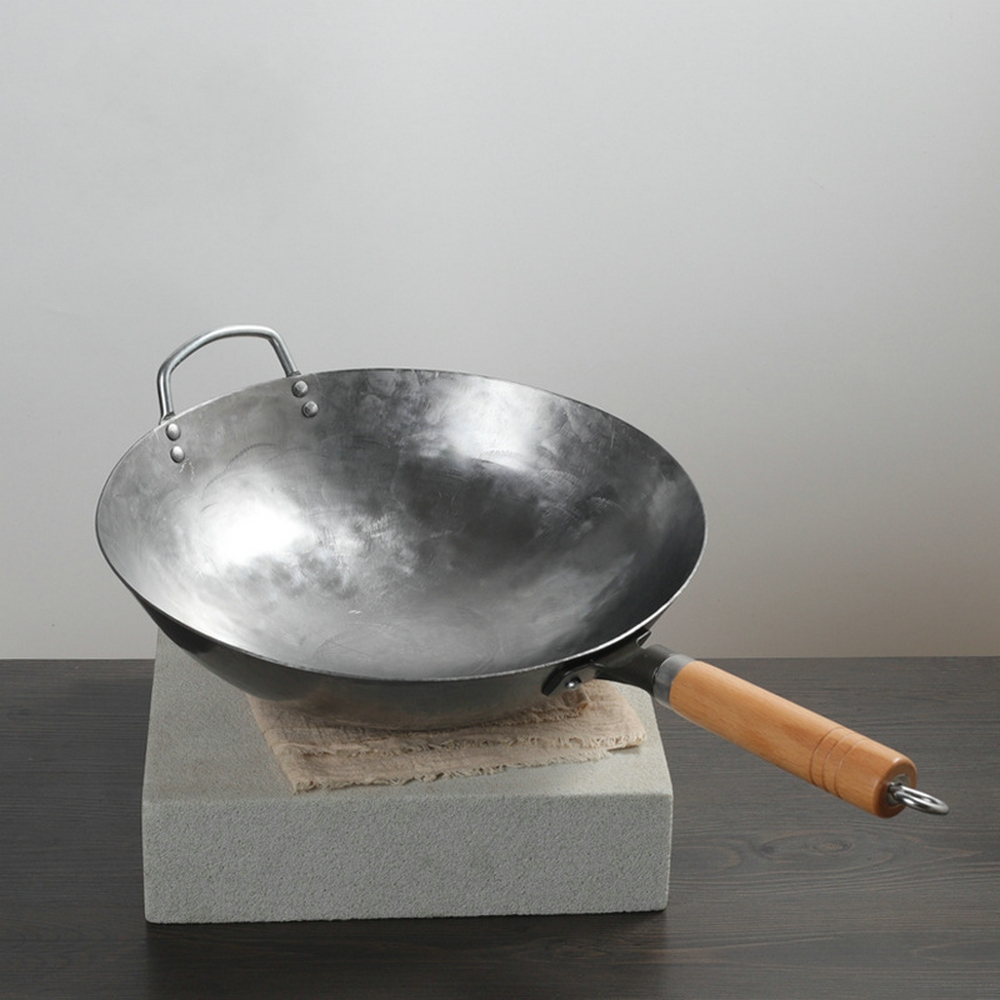Wok de fer chinois fait à la main Wok de fer poêle antiadhésive cuisinière à gaz anti-revêtement