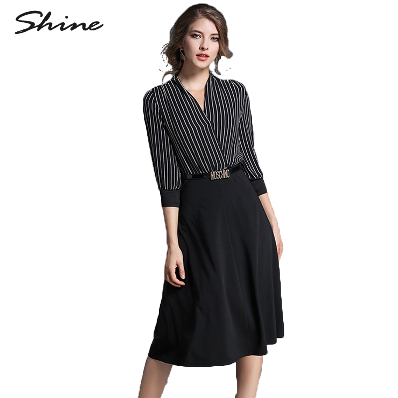 Excellent Smartcasual Attire For Women Denotes A Look That Is Polished  And Leather Accessories Evening Or Cocktail Dresses Are Too Formal For A Smartcasual Look, While Sundresses, Athletic Shoes And Thong Sandals Are Often Too Casual