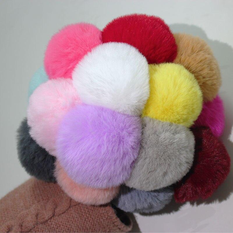Fashion Cute Snowflake Soft Ball Pom Pom Keychains For Women Girls Faux Rex Rabbit Fur Key Chains Pompom Bag Ring Pendant DIY