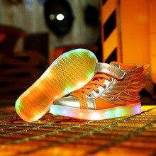 La nueva moda de zapatos brillan en la primavera de 2017 led con alas niños y niñas hijos de luz hasta los zapatos para niños de Carga USB zapatillas de deporte