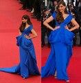 Sonam Kapoor o mar de árvores estréia do filme Cannes Film Festival Red Carpet moda Ralph Russo azul Royal vestidos de noite