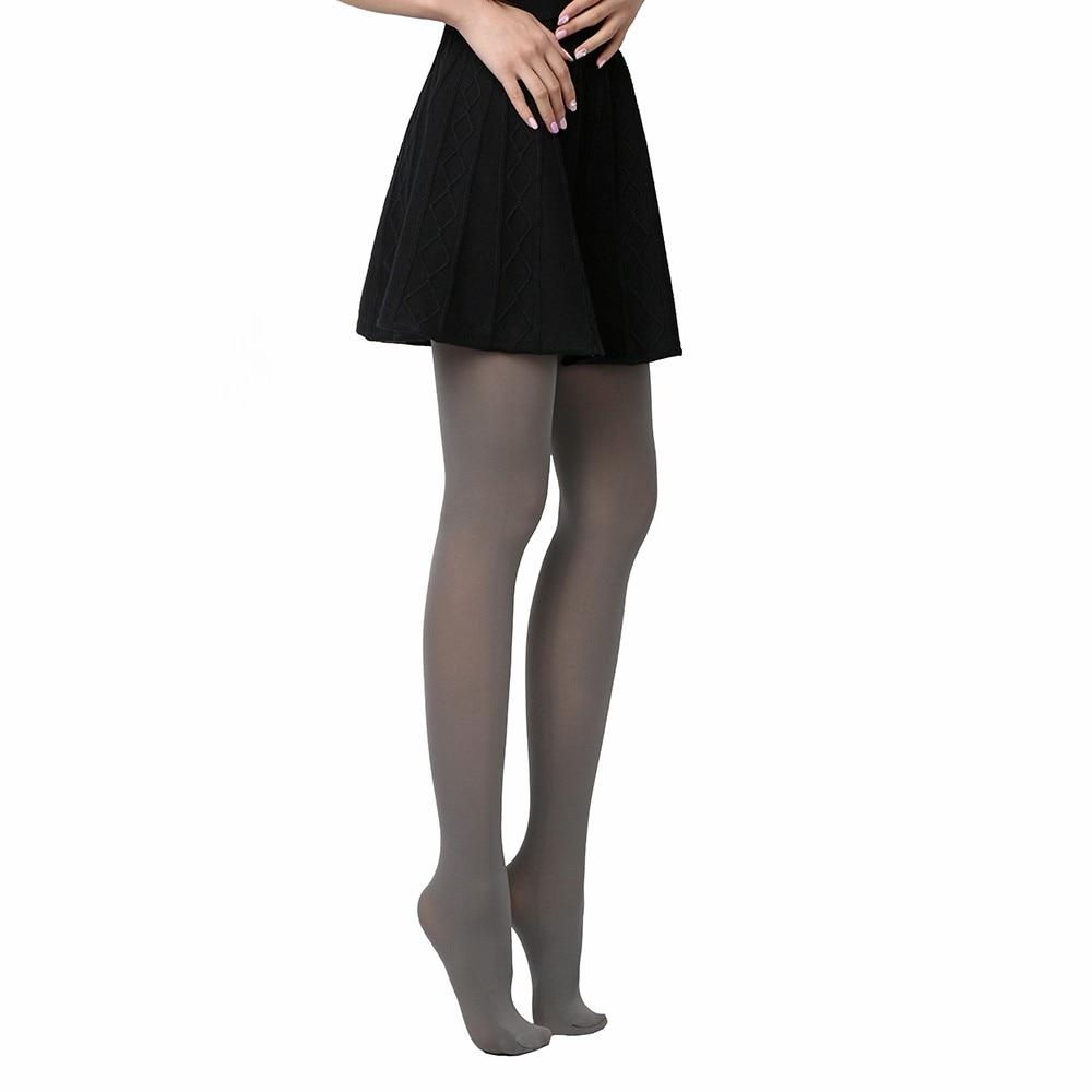 Толстые ножки в нейлоновых колготках