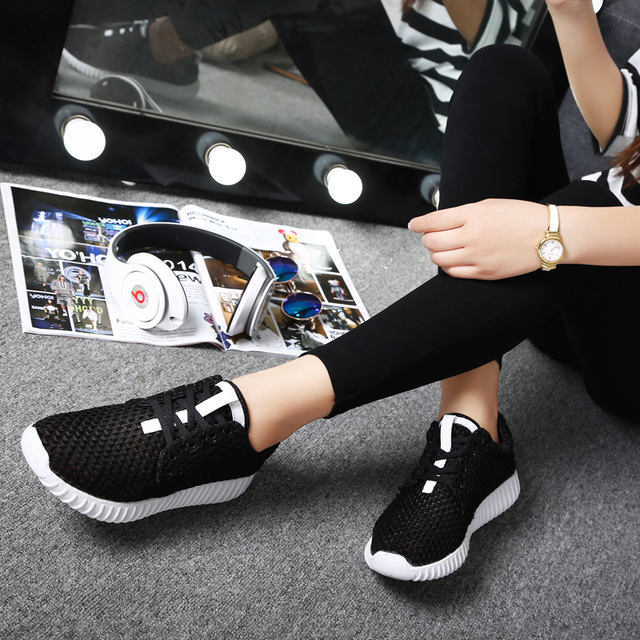 Somix Brand Men Sport Shoes 2017 Summer Style Running Shoes for Women Mesh(Air  mesh) Comfortable Breathable White Sneakers Women e7310b623