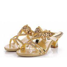 2017 nuevas mujeres gruesas Sandalias de tacón alto rhinestone de la  mariposa del oro zapatillas cómodas verano señoras partido . 37116776a1a4