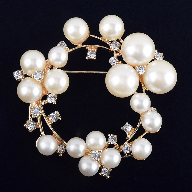 USTAR Crystals Simulated pearl rould brooches women pins gold color rhinestone scarf brooch broche christmas gifts top quality