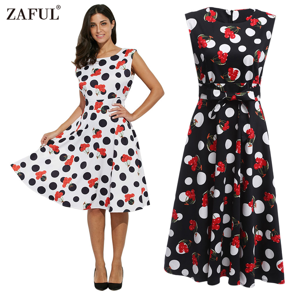 Платье с рисунком вишни