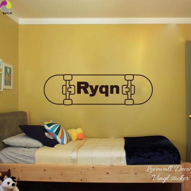 US $6.49 |Skateboard personalizzati Nome Wall Sticker Camera Da Letto Boy  Camera Skater Sport Adesivo Soggiorno Taglio Del Vinile Home Decor in ...