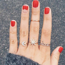 2019 New Fashion High Quality 4Pcs Gold Color Finger Rings Pretty Star Moon Love Letter Shape Design Jewelry For Women Ladies