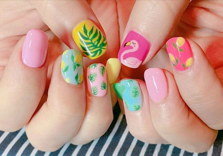 Online Shop Trend colorful bird pattern fake nails Japanese cream ...