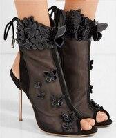 Летние босоножки на тонком каблуке, с острым носком, с пряжкой и блестящими светлыми цветами; женские босоножки на очень высоком каблуке с о