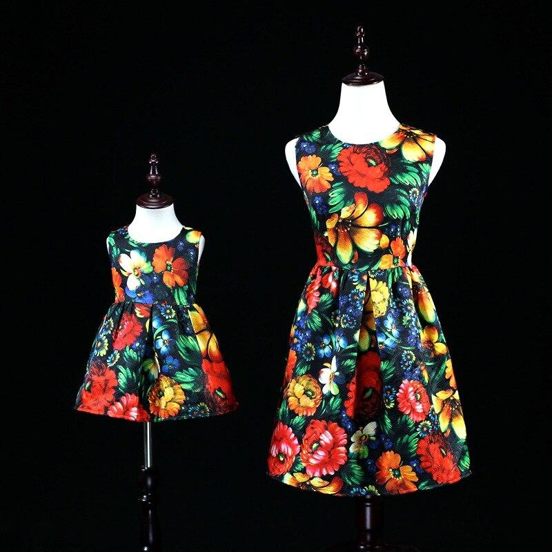 Maman bébé tenues mère fille robes pour la famille correspondant vêtements maman et moi vêtements maman et nouveau-né bébé Floral robe ensemble
