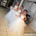 Simple white / marfil largo spaghetti straps vestidos de bola con cristales sash para el hermosa boda vestido de fiesta de cumpleaños