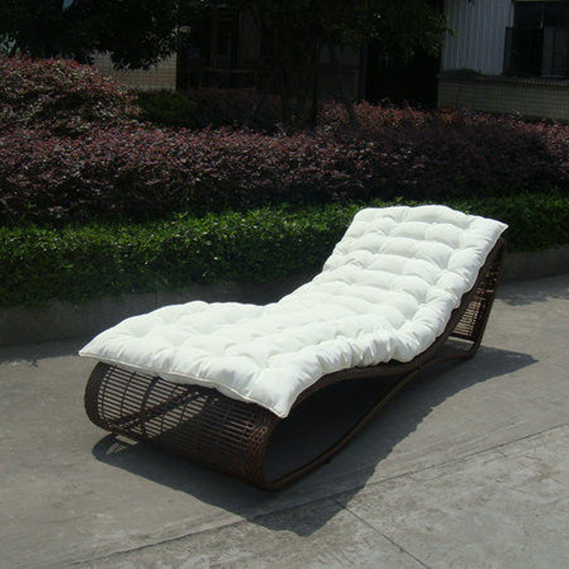 Outdoor Garden Rattan Sun Lounger , Comfortable Lounge Chair transport by sea modern white rattan sun lounger leisure outdoor lying sofa bed lying chair swing pool chair furniture holiday garden chair table