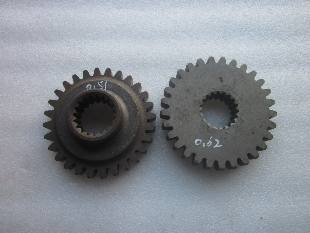 Lenar 254 274 with NJ385, the set of gear and gear Cog, part number: 250.41B.103 and 250.41B.104 lenar 254 274 tractor parts the fuel feed pump for engine nj385
