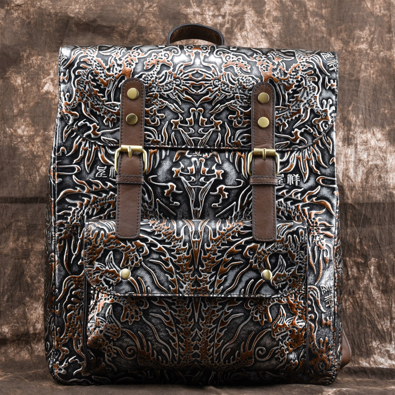 AETOO Hand rubbing leather backpack casual men and women first layer of leather embossed personality retro
