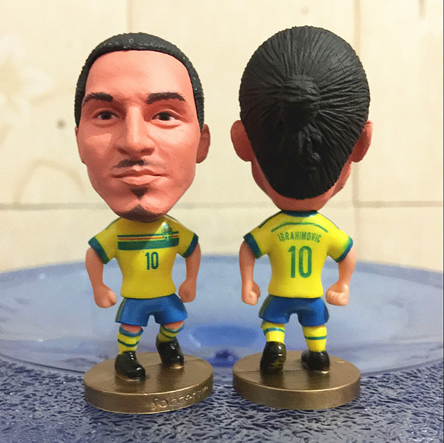 2016 Season 6.5*3.5 cm Size Resin Soccer Doll Sweden 10 Ibrahimovic Mini in Yellow Kit