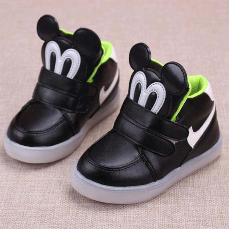db7217f8ed0a2 2016 childrens lights shoes led footwear kids light up shoes boots for  girls boys trainers roller tenis yeezys cocuk ayakkabi-in Sneakers from  Mother   Kids ...