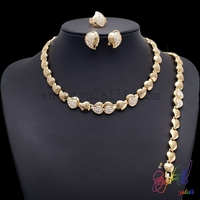 Free Shipping 2015 Saudi Fashion Design Wholesale Alloy Crystal Dubai Gold Jewelry Set Elegant Water Drop