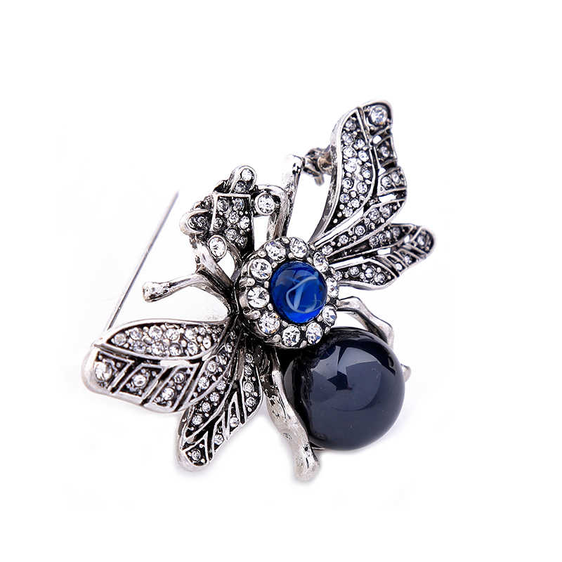 71eab79081 KISS ME Personalized Resin Rhinestone Bee Brooch Alloy Vintage Insect  Brooches for Women Fashion Jewelry