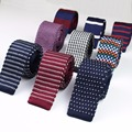 Hombres de la manera Colorida Lazos Corbata de Punto de Punto Corbata Estrecha Flacas Delgadas de Tejido de Cravate Corbatas Estrechas