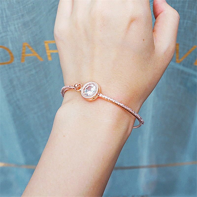 Japanese and Korean Version of the Sweet Wild Shining Zircon Bracelet Students Hand Jewelry Female