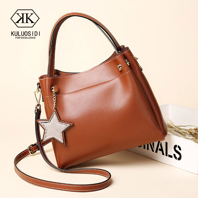 Genuine Leather Bucket Bag For Women Leather Handbags Large Capacity Rivet Crossbody Bag For Women 2018 Sac a Main Lady Hand Bag pumping bucket bag rivet handbags mini bucket bag