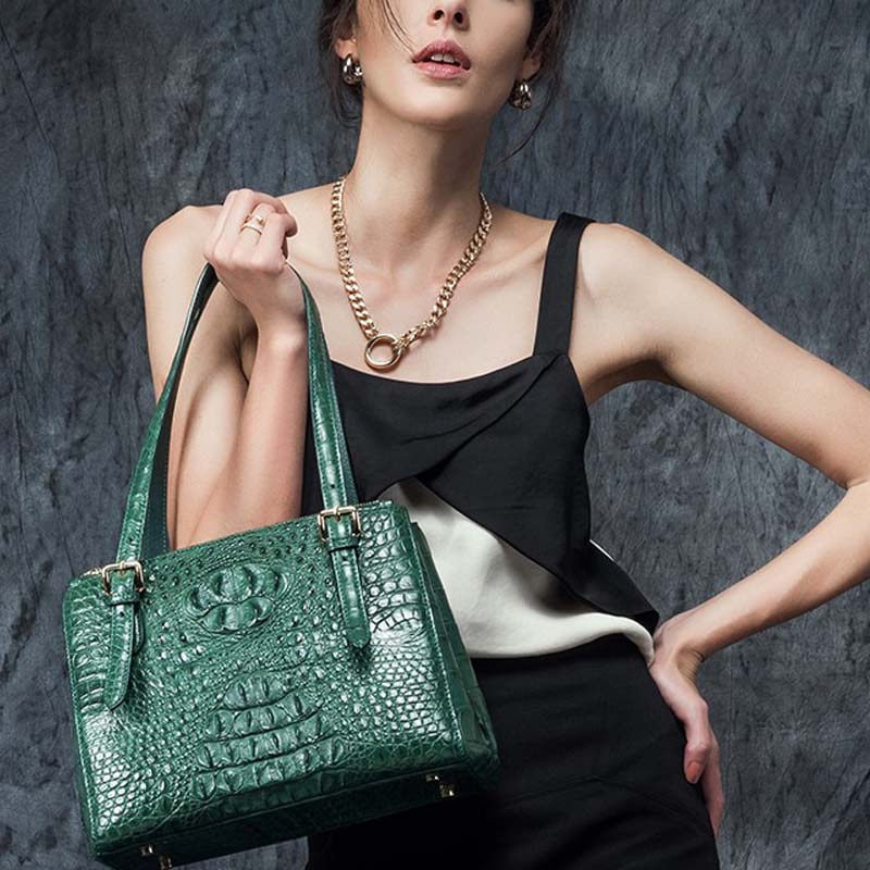 hlt new real crocodile skin women bag women handbag fashion single shoulder bag. Lady killer crocodile package yuanyu real snake skin women bag new decorative pattern women chain bag fashion inclined single shoulder women bag