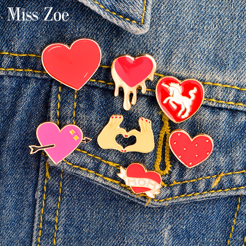 1pcs New Car Heart Red Wine Ribbon Badge Diy Clothing Decorative Accessories Cartoon Funny Metal Brooch Clothes Jeans Jewelry Badges