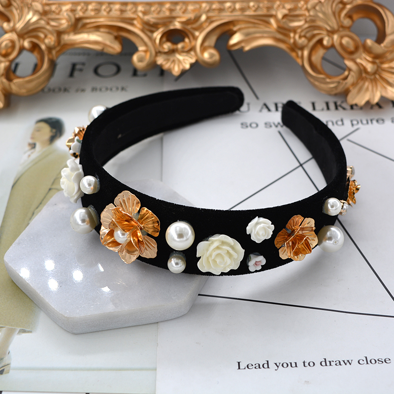 Baroque Retro Palace Luxury Crown Hairbands Fashion White Porcelain Flower Black Hair Hoop Luxury Rhinestone Trendy