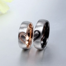 Fashion New High Quality Rose Simulated Titanium Steel Rings Lover Heart Couple Rings Male And Female 1 Pair Jewelry Accessory