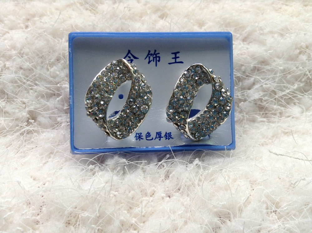 2017 new arrive Fashion Vintage rhinestone stud earrings female candy color distorted round earrings