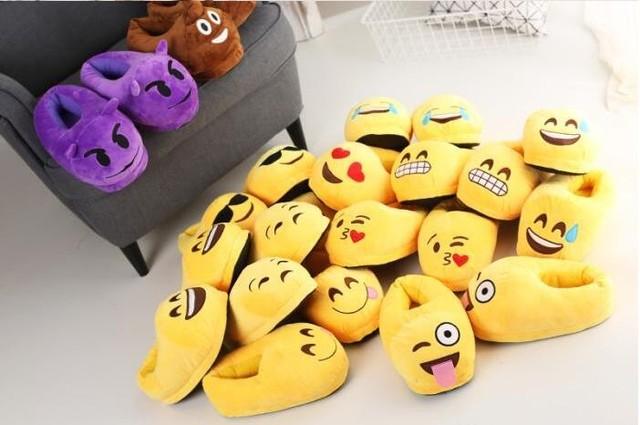Novos Presentes de Páscoa 12 Estilos Quente e Macia Emoji QQ Expressão Casal Inverno Indoor Chinelos Chinelos De Pelúcia Engraçado Frete Grátis